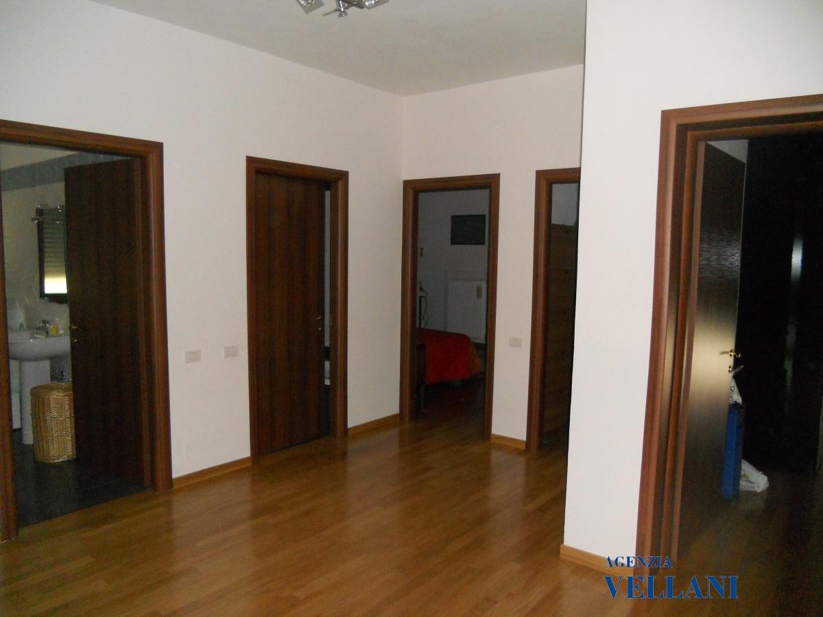 Vendita appartamenti carpi appartamento di grandi for Grandi planimetrie dell appartamento